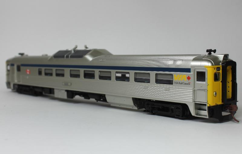 Rapido HO Budd  RDC-2 DC/DCC (Sound): VIA Rail late (Phase 2)